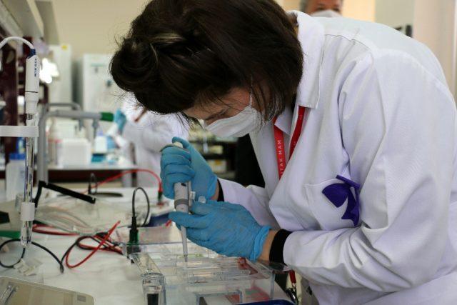 TÜBİTAK, yerli koronavirüs aşısı için tarih verdi