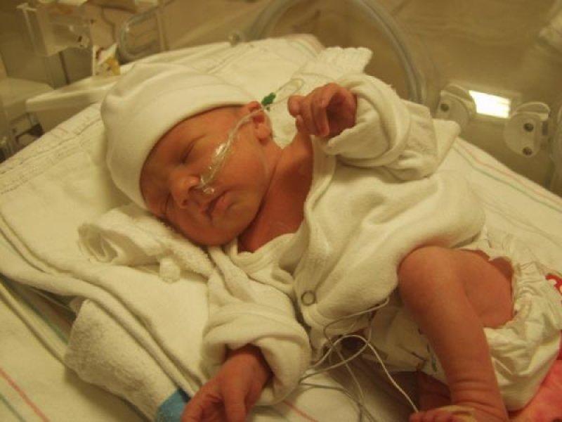 Türk mühendisler prematüre bebeklerin beslenmesine yönelik yerli cihaz üretti.
