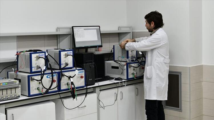 Türkiye'de bilim insanları yerli batarya üretecek
