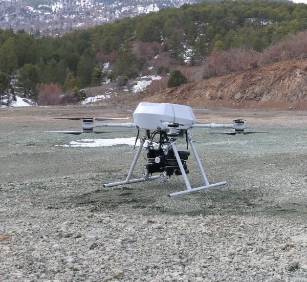 Türkiye'nin ilk milli bomba atarlı dronu Songar