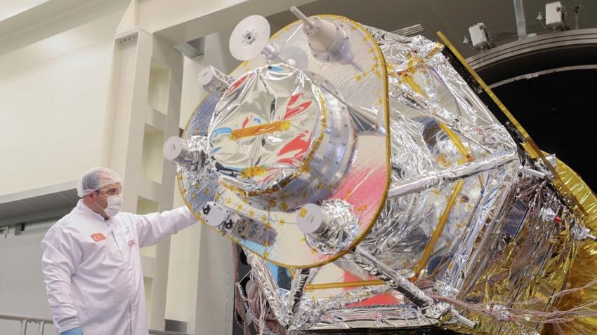 Türkiye'nin İlk Yerli Gözlem Uydusu Uzay Görevine Hazır