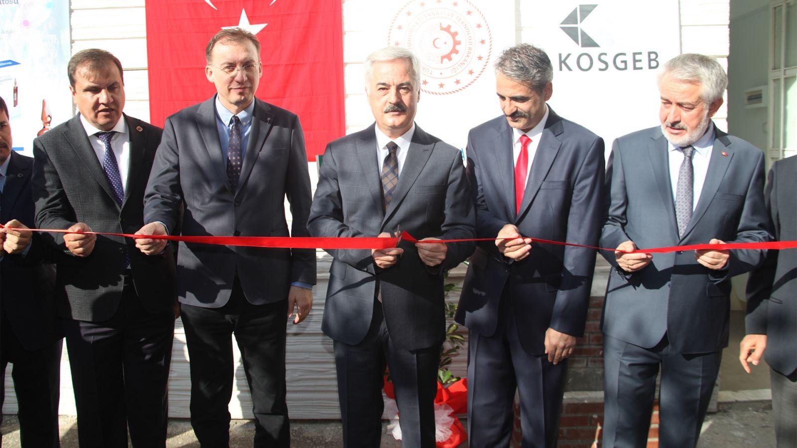 Türkiye'nin İlk Yerli Üretim Kemik Çimentosu Tanıtıldı