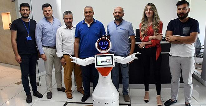 Türkiye'nin ilk yerli ve milli insansı robotu Kemer Belediyesi'nde