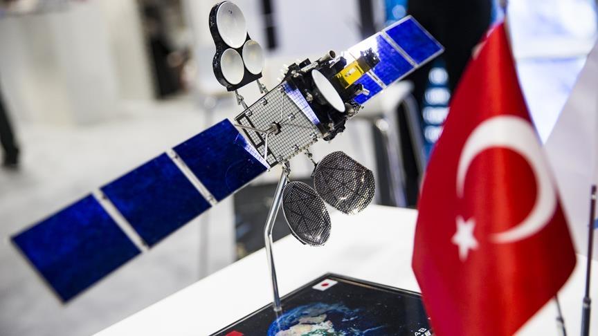 Türksat 5B ile sunulacak Ka-Bant hizmetleri için Ankara, İzmir ve Van'da 'uzay yolu' kurulacak